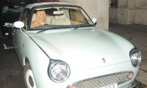 mollie-king-female-stars-and-their-cars